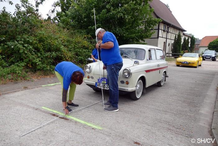 Bild: Geschick war in Göttnitz gefragt: Hier musste das Fahrzeug mittig nach links und rechts sowie geringstem Abstand nach vorne geparkt werden.